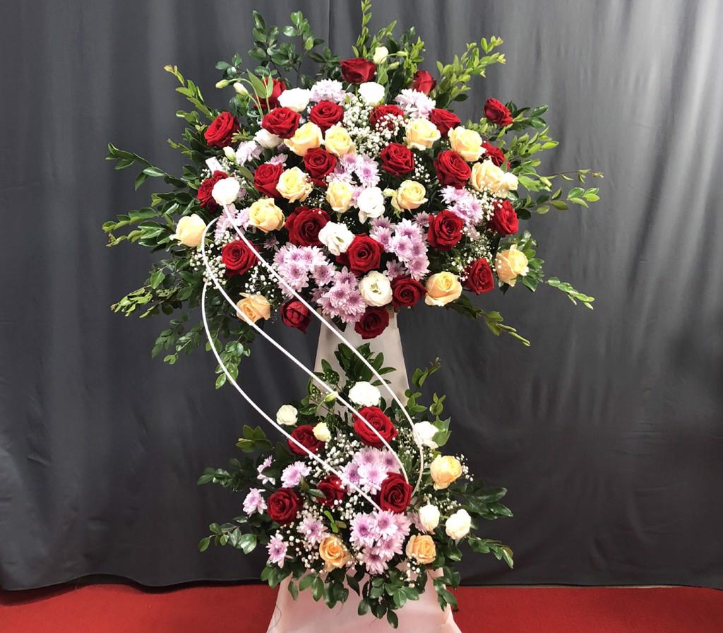 hoa tươi Valentine với lẵng hoa tặng mẹ